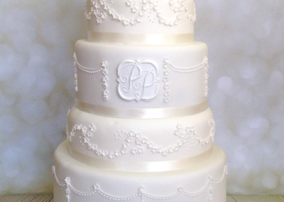 flossiepops_blossom-and-monogram-wedding-cake