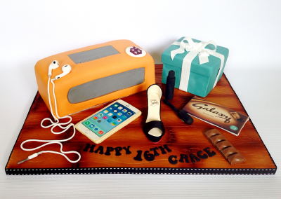 flossiepops_bose-tiffany-box-iphone-shoe-cake