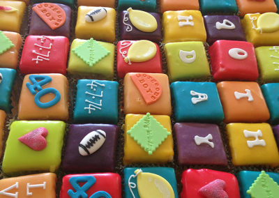 flossiepops_corporate_fondantfancies