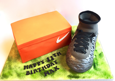 flossiepops_sock-football-boot-cake