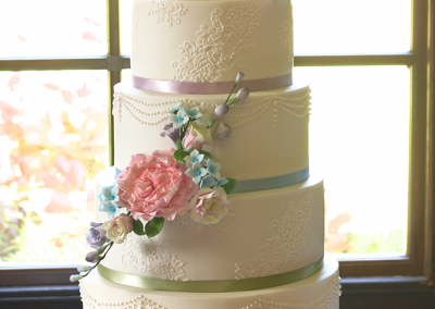 flossiepops_5-tier-lace-and-pearl-floral-wedding-cake