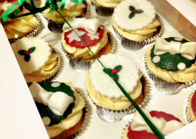 flossiepops_corporate_christmascupcakes