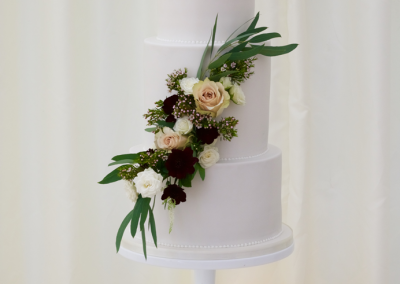flossiepops_fresh-florals-deep-tier-wedding-cake