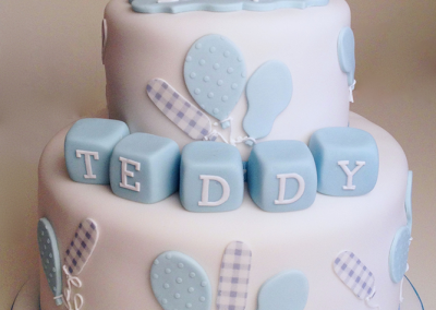 flossiepops_teddy-bear-and-balloons-cake