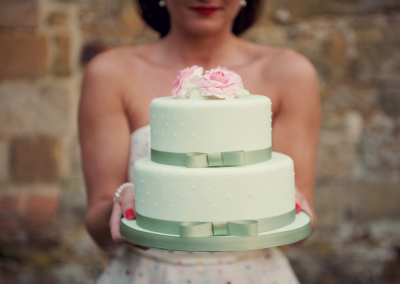 rebecca-douglas-photography_flossiepops_vintage-roses-green-wedding-cake