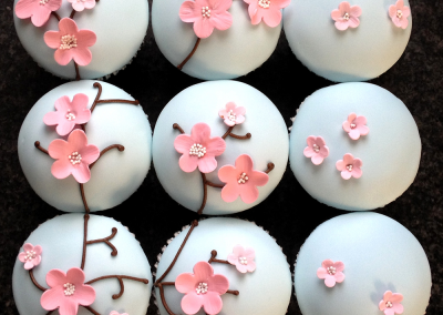 cherry-blossom-cupcake-decorating-class-workshop-kent