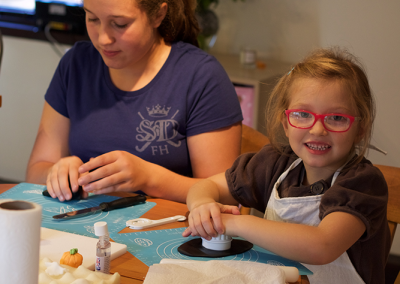 childrens-cupcake-decorating-class-workshop-3